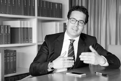 Wat een behoorlijk advocaat betaamt